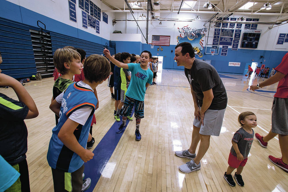 Weir wins over more fans at youth skills camp