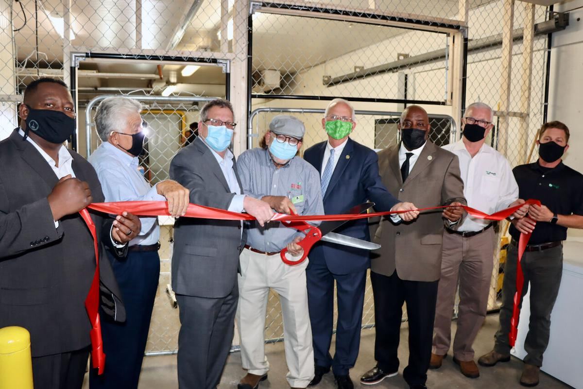 NLaws Refrigerated Port Services Ribbon-Cutting Ceremony_8483.jpeg