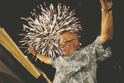 Alan Hollander fireworks photo