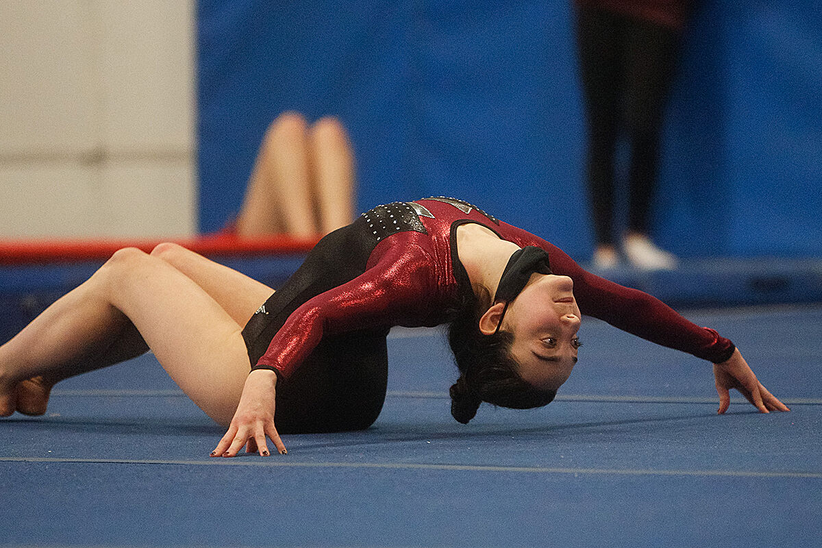 Scarsdale gymnastics Ella Isak