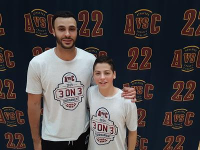 Sophomore, NBA star fight Crohn's together photo 1