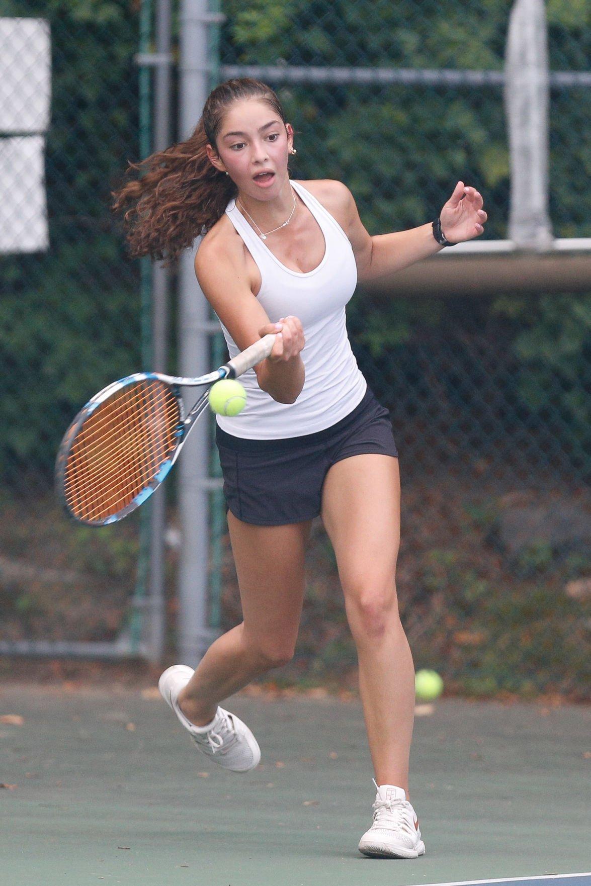 Scarsdale tennis Anya Kornfeld photo