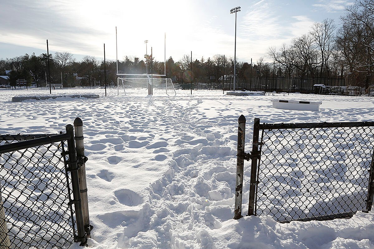Scarsdale track snow