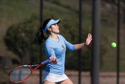 Tomo Iwasaki Tufts tennis photo
