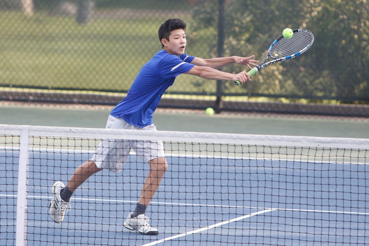 Edgemont tennis fares well Ho