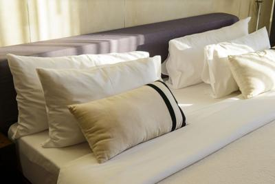 There' s something special about the smooth sheets at the world's best hotels, the tightly tucked duvet, and how cool and crisp it all feels against your skin.
