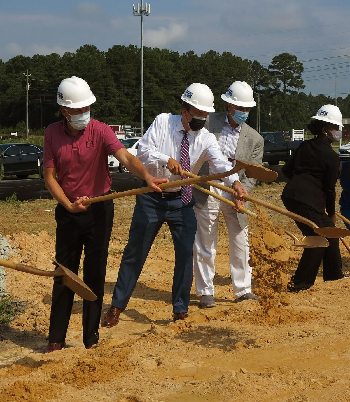HopeHealth holds groundbreaking for new office location