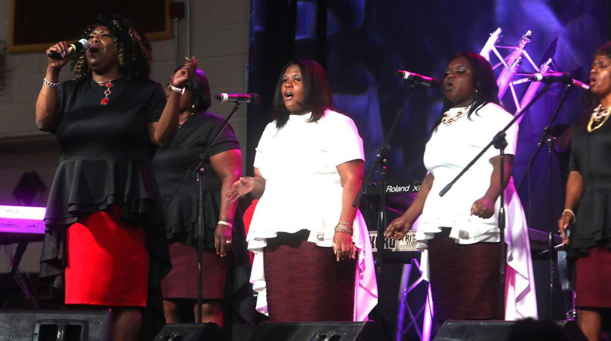 Mullins' WJAY gospel station relaunch concert packs the house | Pee