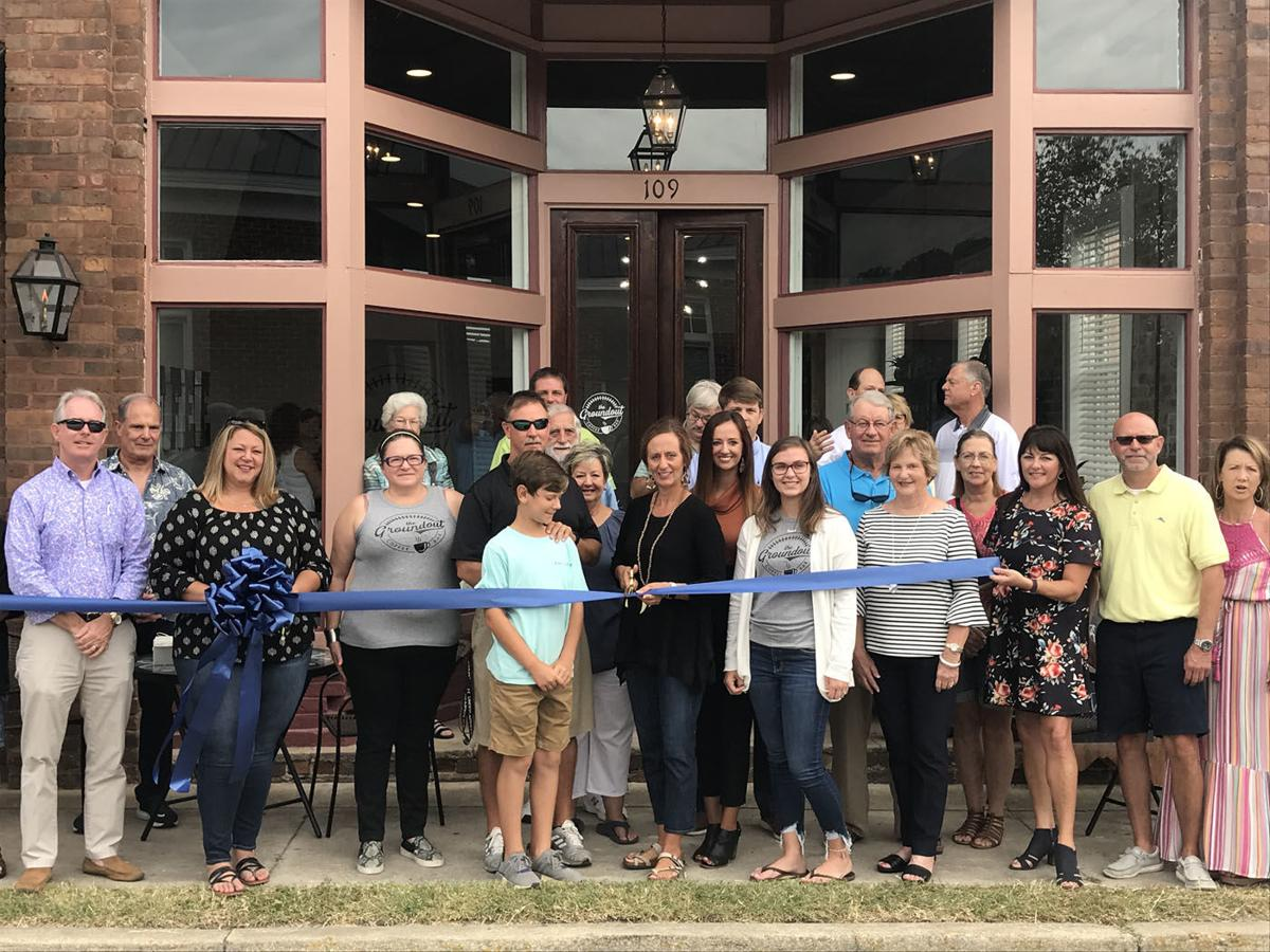 Marion Chamber of Commerce holds ribbon cutting events 1