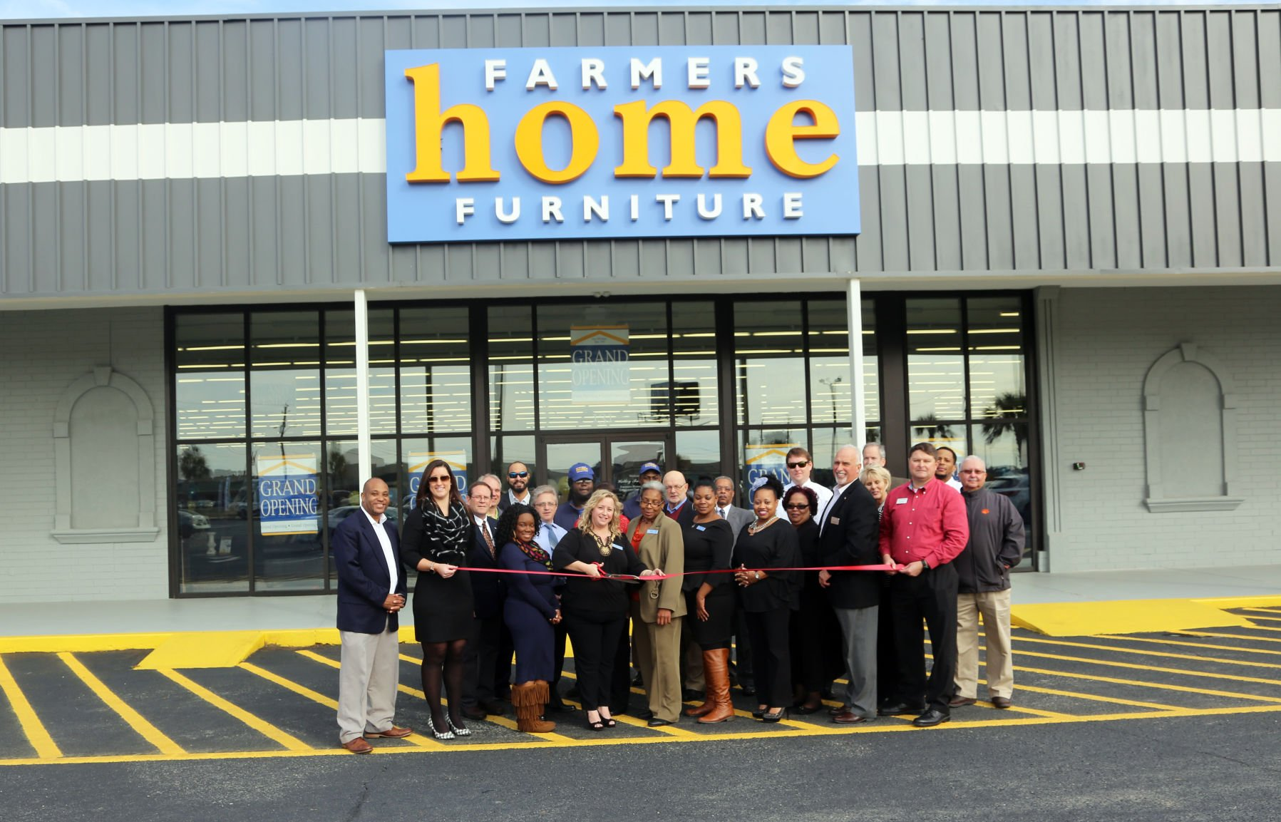 Farmers Home Furniture Opens In Florence