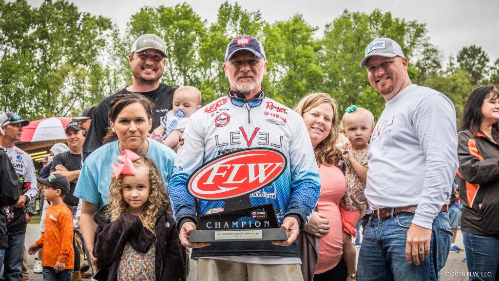 Lamar Angler Mccoy Wins Huge Cash Prize Boat In Flw Contest Sports