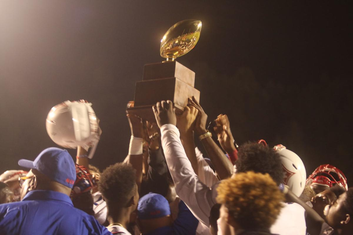 Mullins holds off Marion 52-34 in annual bowl game