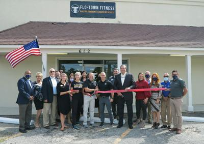 Flo-Town Fitness holds ribbon cutting with the Florence chamber