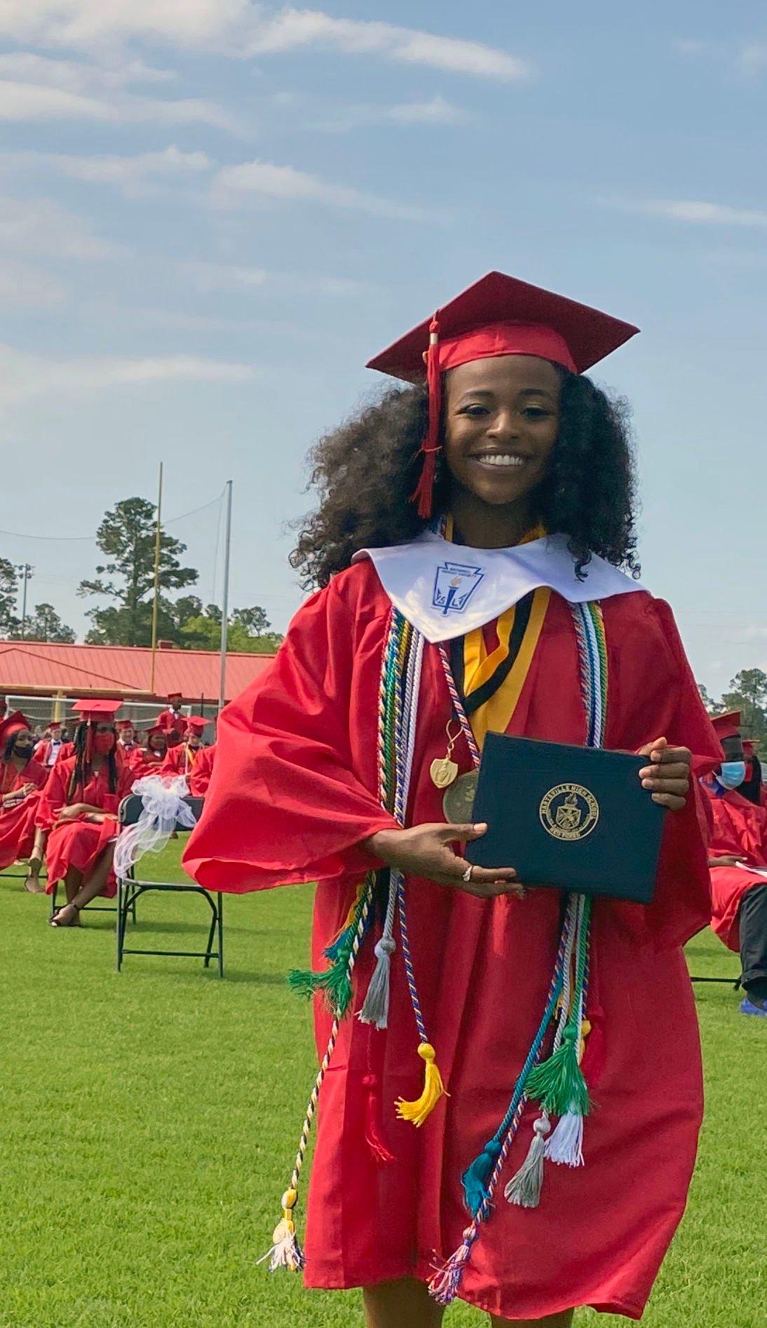 Hartsville High School seniors receive scholarship awards