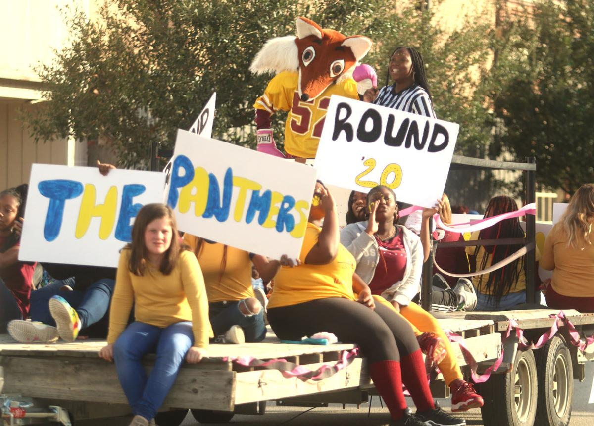 20191023_mse_news_marion high school homecoming parade_p1