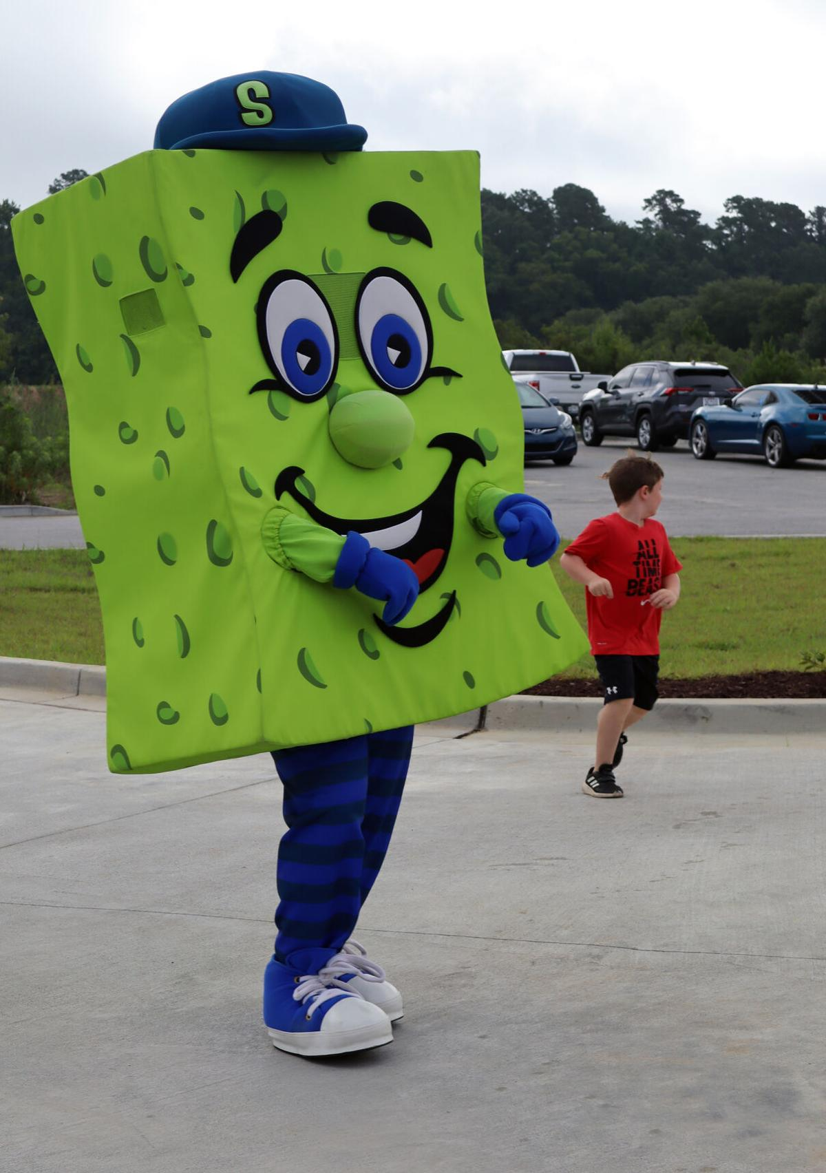 Scrubby's Car Wash opens new location in Hartsville