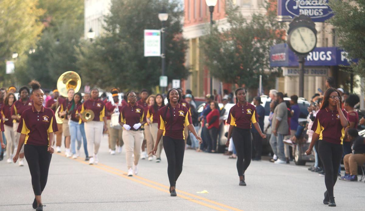 20191023_mse_news_marion high school homecoming parade_p2