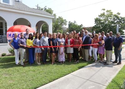 RE/MAX in Florence celebrates chamber membership and new location