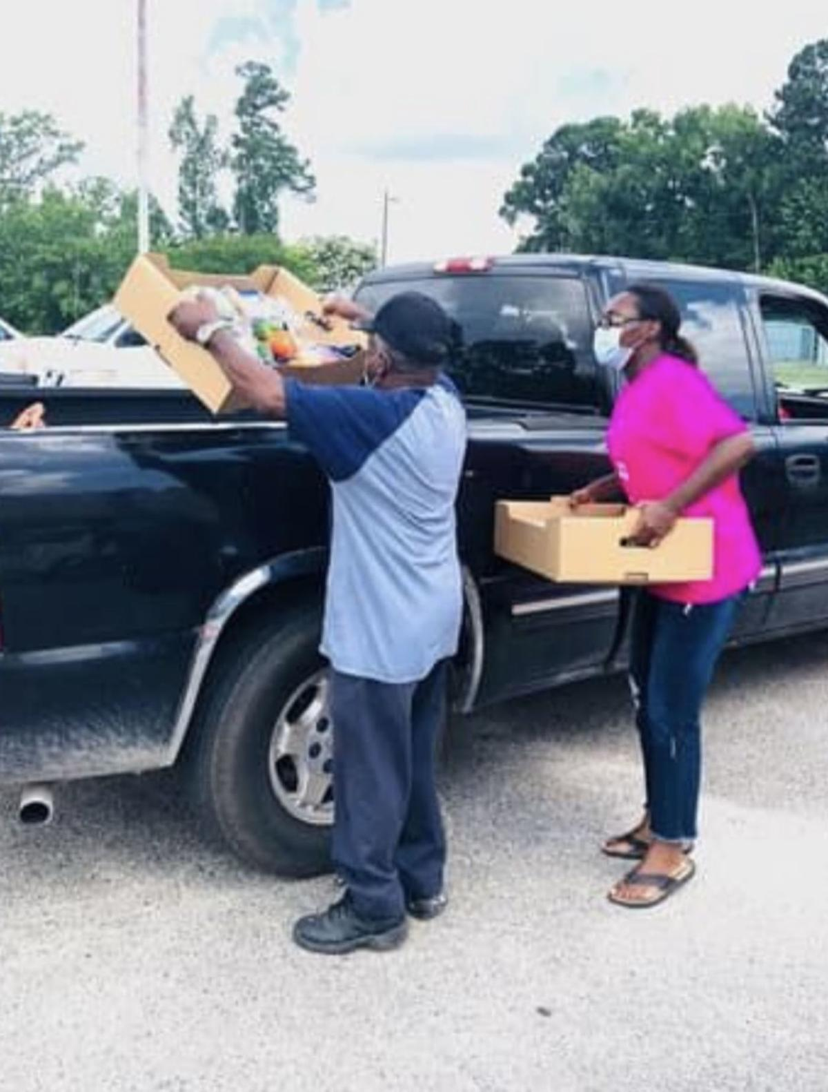 Tabernacle of God Ministries host food distribution