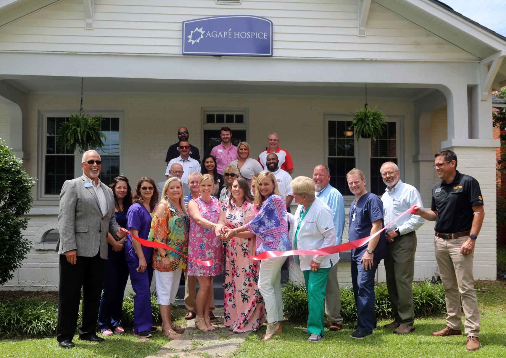 hospice cuts ribbon at new florence location business scnow com rh scnow com