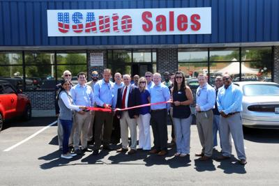 Us Auto Sales >> Auto Dealer Cuts Ribbon For New Location In Florence