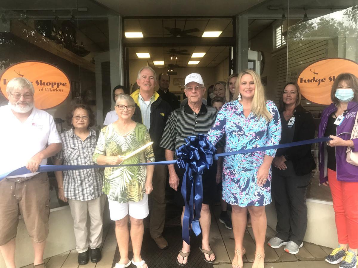 Marion Chamber of Commerce hosts fudge shoppe ribbon cutting