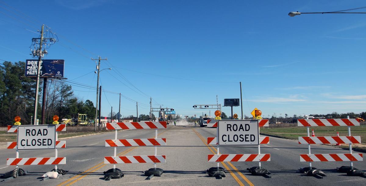 Railroad crossing closed on Pamplico Highway   Gallery