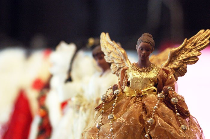 kingstree gallery exhibits black christmas decorations local news scnowcom - Black Christmas Angels