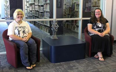 Class offers Darlington library patrons a chance to learn ASL | Pee