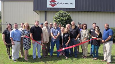 G&W Equipment ribbon cutting