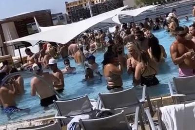 W Scottsdale's rooftop pool
