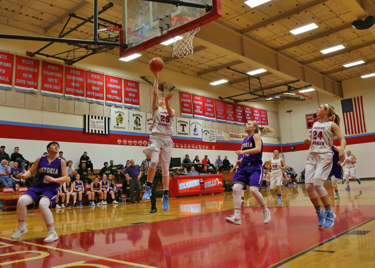 Gulls win Clatsop Clash, in tie for first