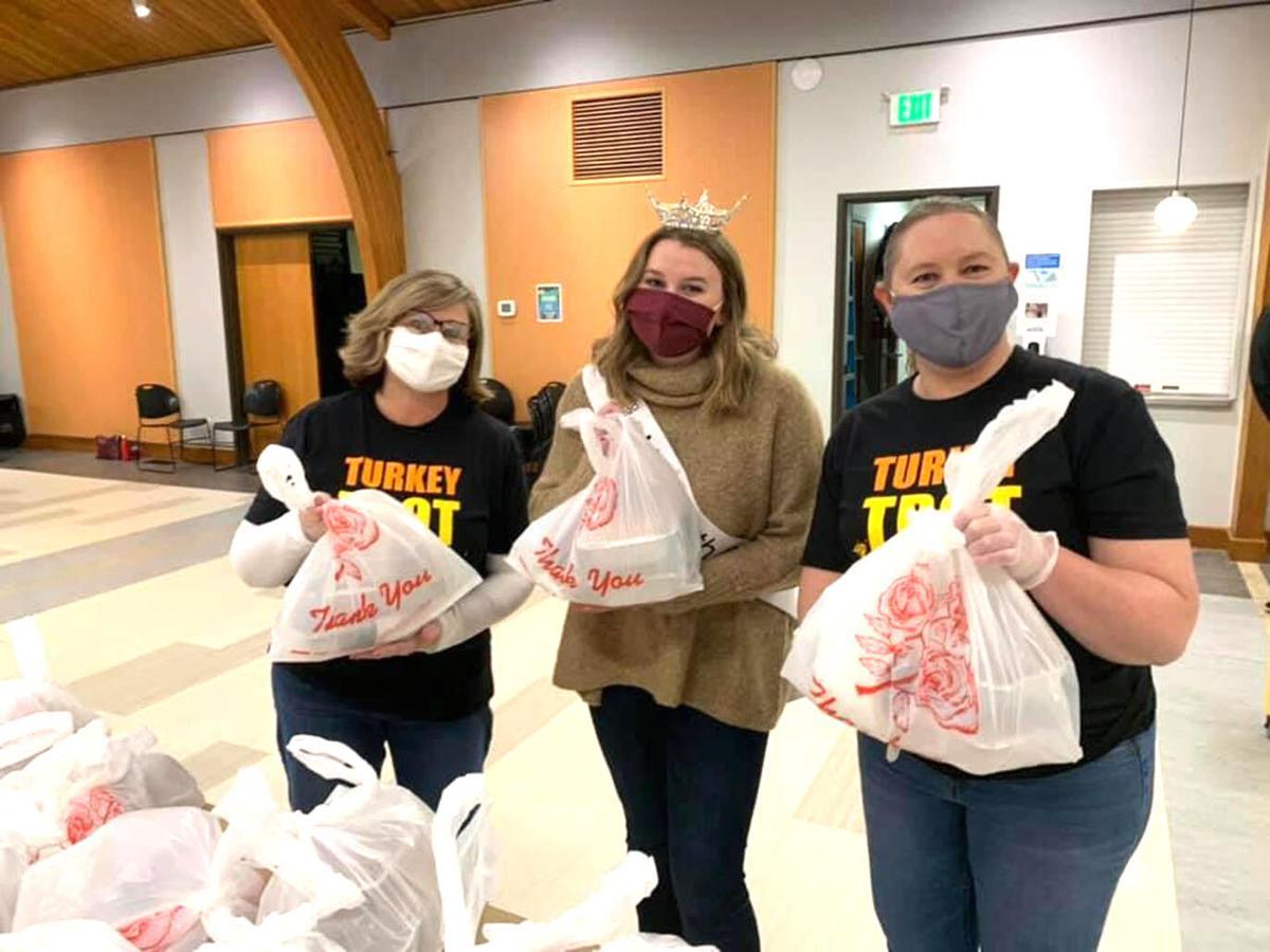 Thanksgiving helpers