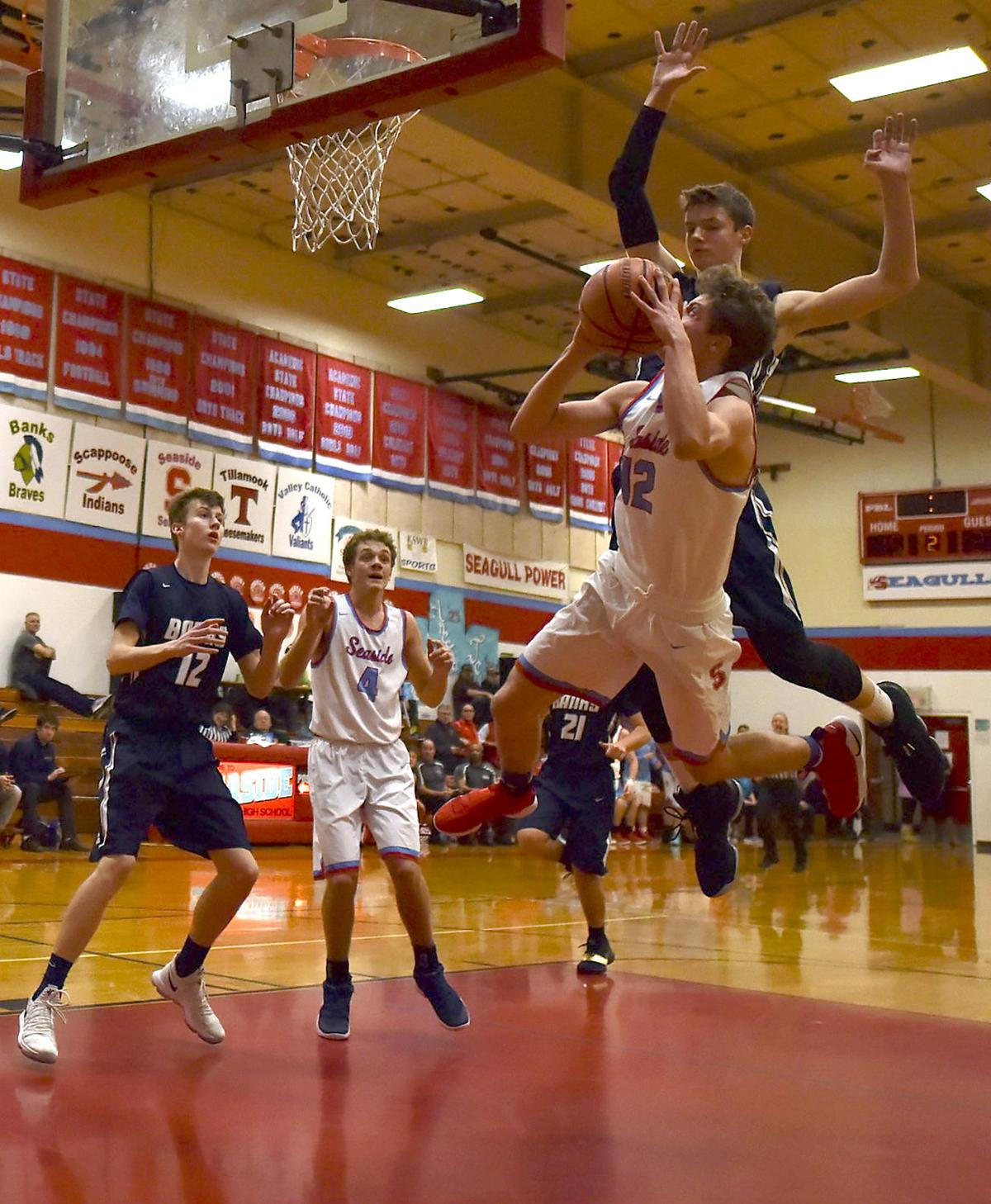 Boys basketball: The Gulls put on a show, as Seaside beats No. 1 Banks