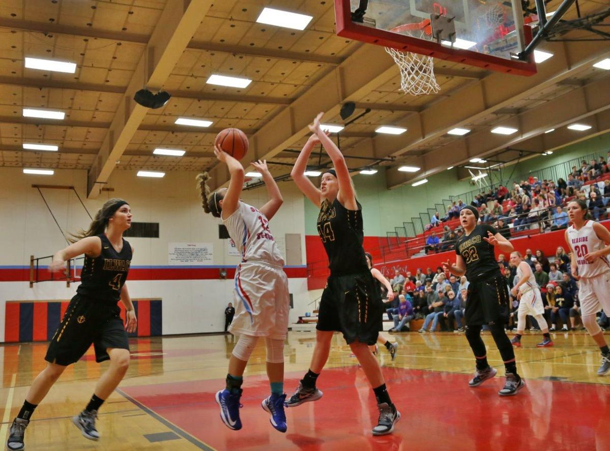 Gulls force 40 turnovers in 60-44 win