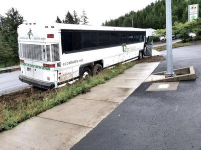 Bus crash in Manzanita