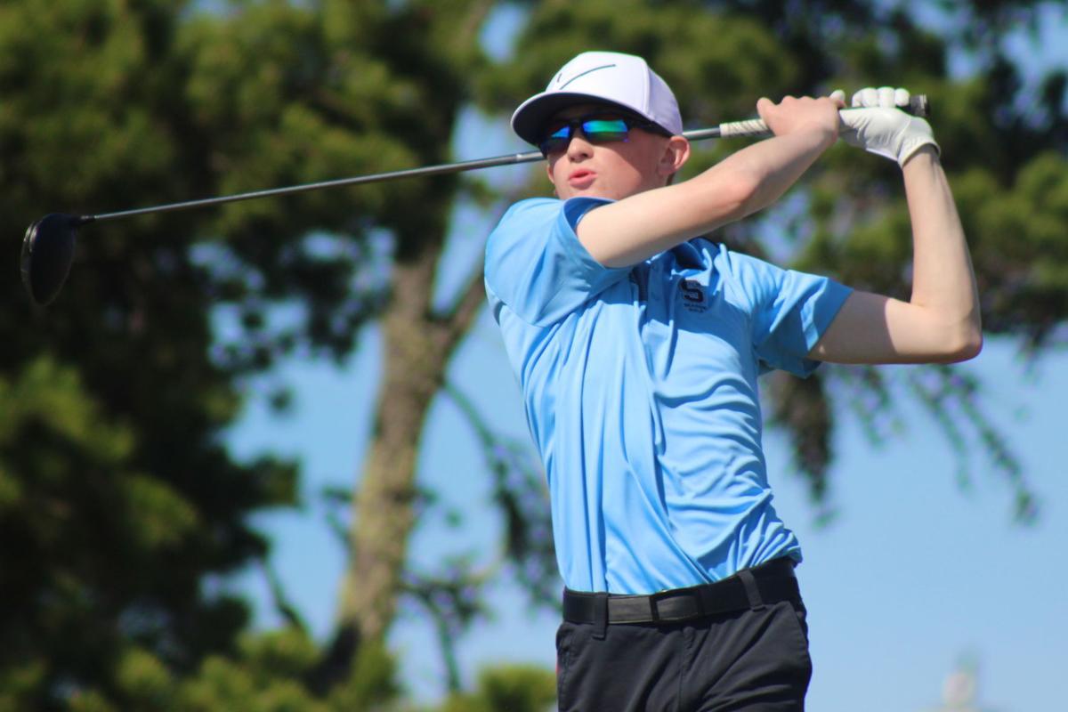 Seaside golfer Carson Kawasoe