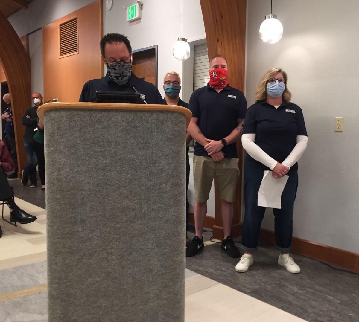 Staff, employees seek board members' dismissal