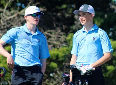 Seaside golfers Carson Kawasoe and Curtis Kunde