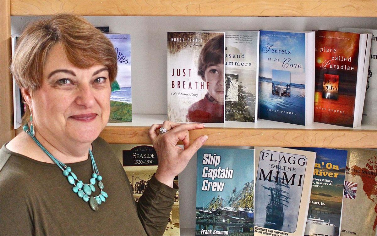 Beach Books hosts fourth annual Written in the Sand author event