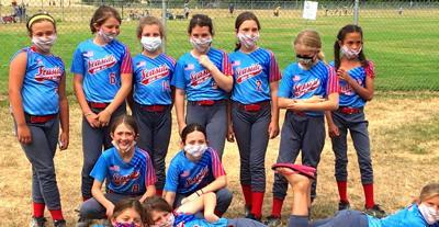 Seaside 10U softball team
