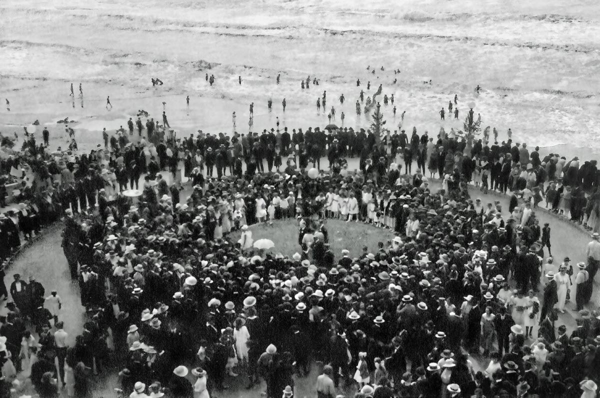 Turnaround and Prom dedication, Aug. 7, 1921