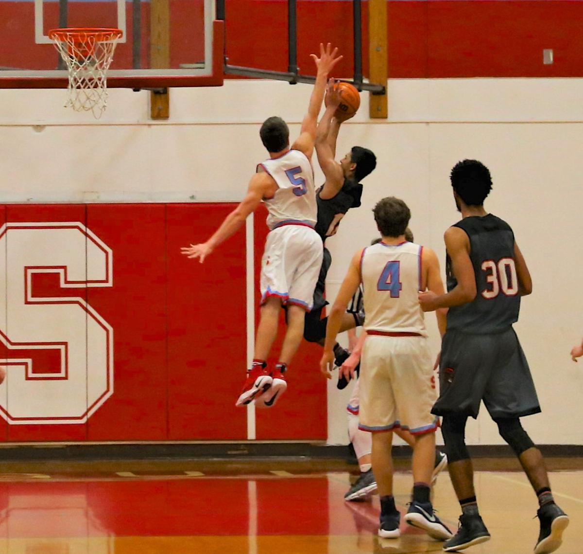 Boys basketball: Seaside tops Gladstone for trip to state tourney