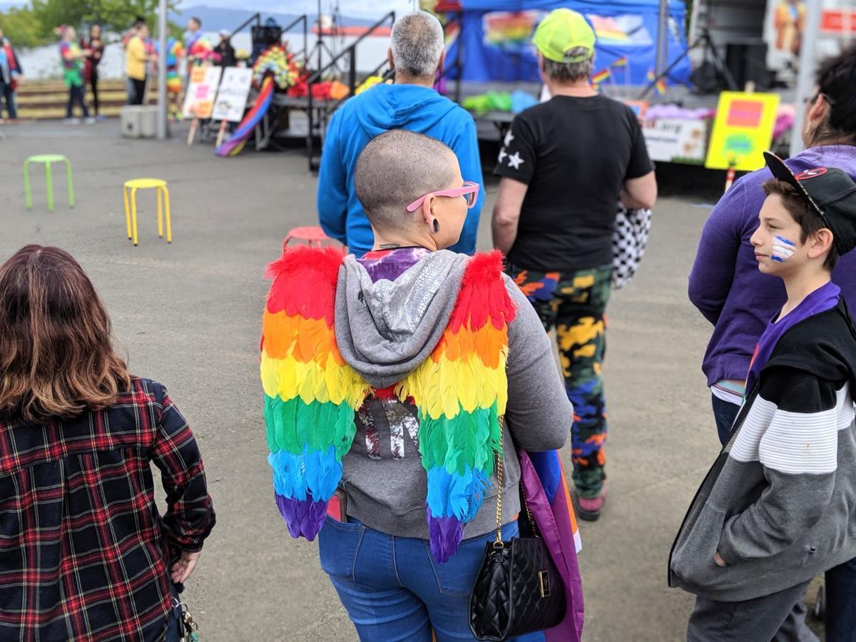 Astoria Pride wings