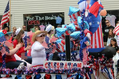 Sign up for the Seaside parade
