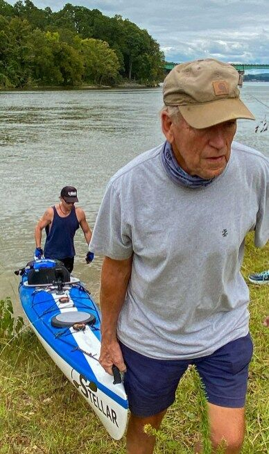 Paddlers in Great Alabama 650