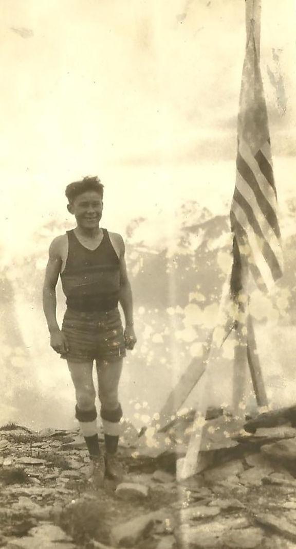 2 Ephraim Kalmakoff circa 1928.jpg
