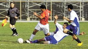 From the sports archives: Hillsdale boys' soccer scores five unanswered goals to shock Woodside 6-4