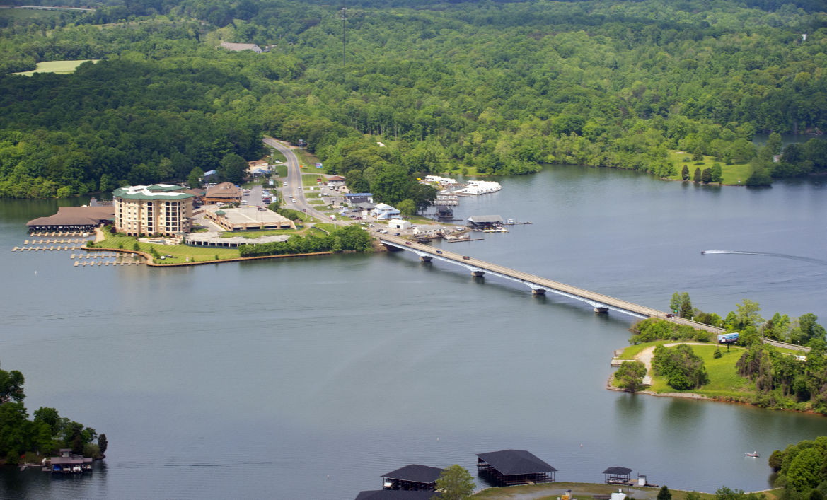 mountain lake personals In conjunction with the town of culpeper's current rehabilitation of the earthen dam at mountain run lake, general contractor kiewit infrastructure south, inc, will be lowering its water level during.