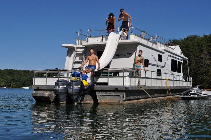 Parrot Cove Boat Rentals | boat rentals | houseboat ...